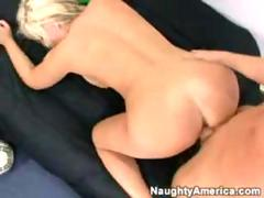 Andi's attraction blonde