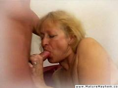 Old bitch getting a sausage to roll with her tongue