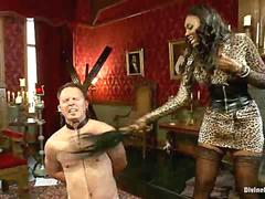 Divine Bitches Black Mistress Nyomi Banxxx Punishes Her Slave