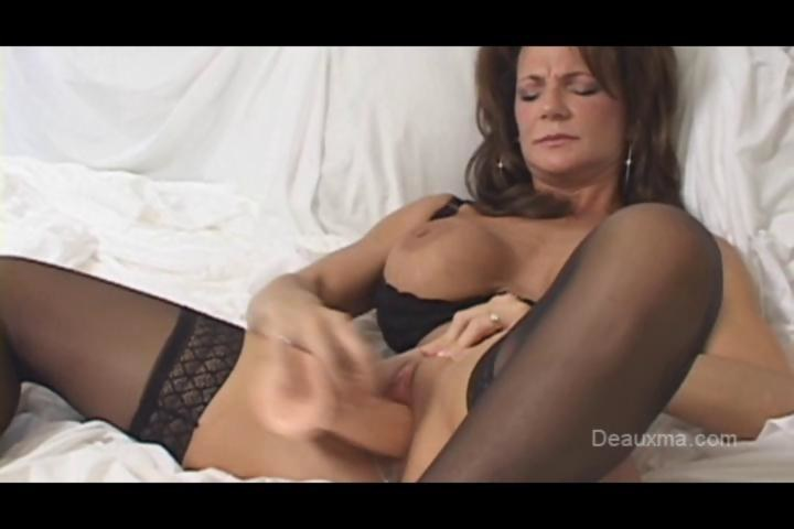 hot milfs strip