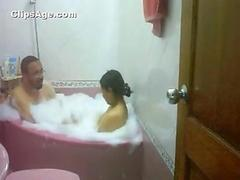 Pakistani lady Neelam with her boss in Jacuzzi video leaked to internet