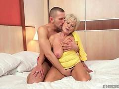 Mature blonde wife ready for some dicking