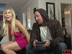 milf loves to seduce young dude and she fucks him