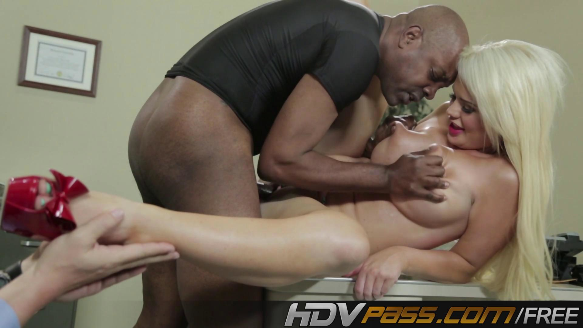Hdvpass dirty babes naudia and darryl 3
