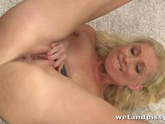 Sweet Vanessa Hell gets all wet and horny
