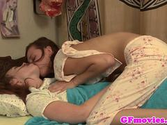 Beautiful tribbing sapphos kissing