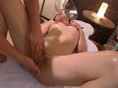 her sensual massage is getting her off with ease