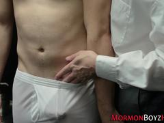 Mormon stretches asshole